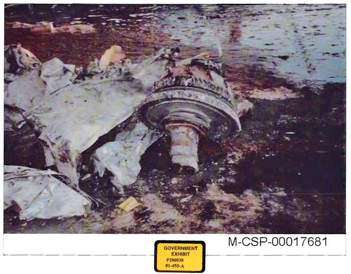 http://fredyz.free.fr/911/debris/engine3.jpg