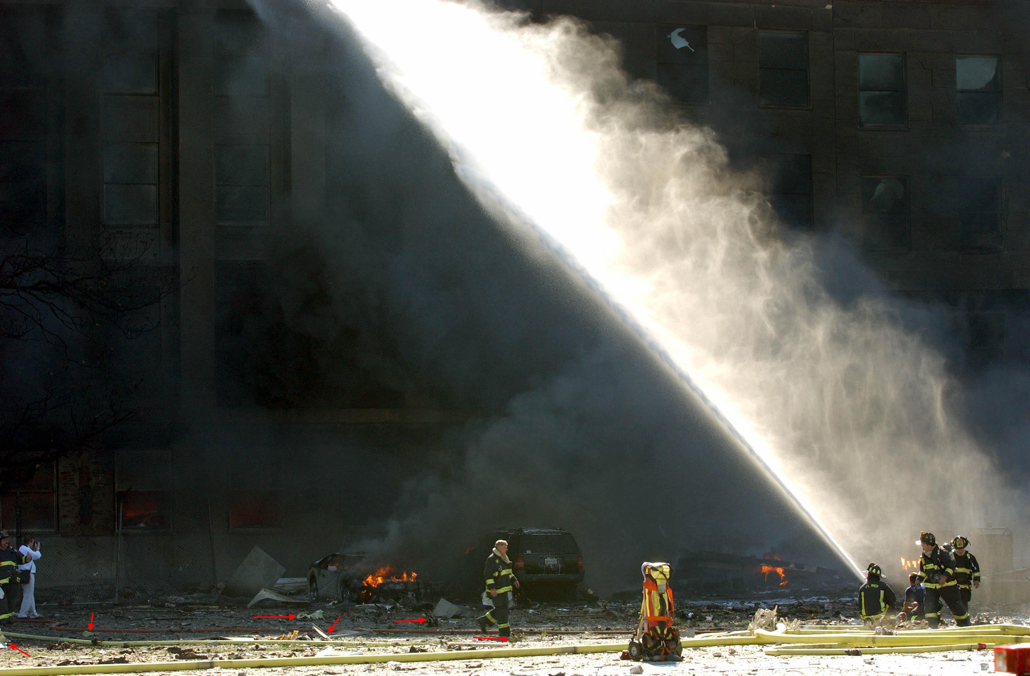 http://fredyz.free.fr/911/debris/morc4.jpg
