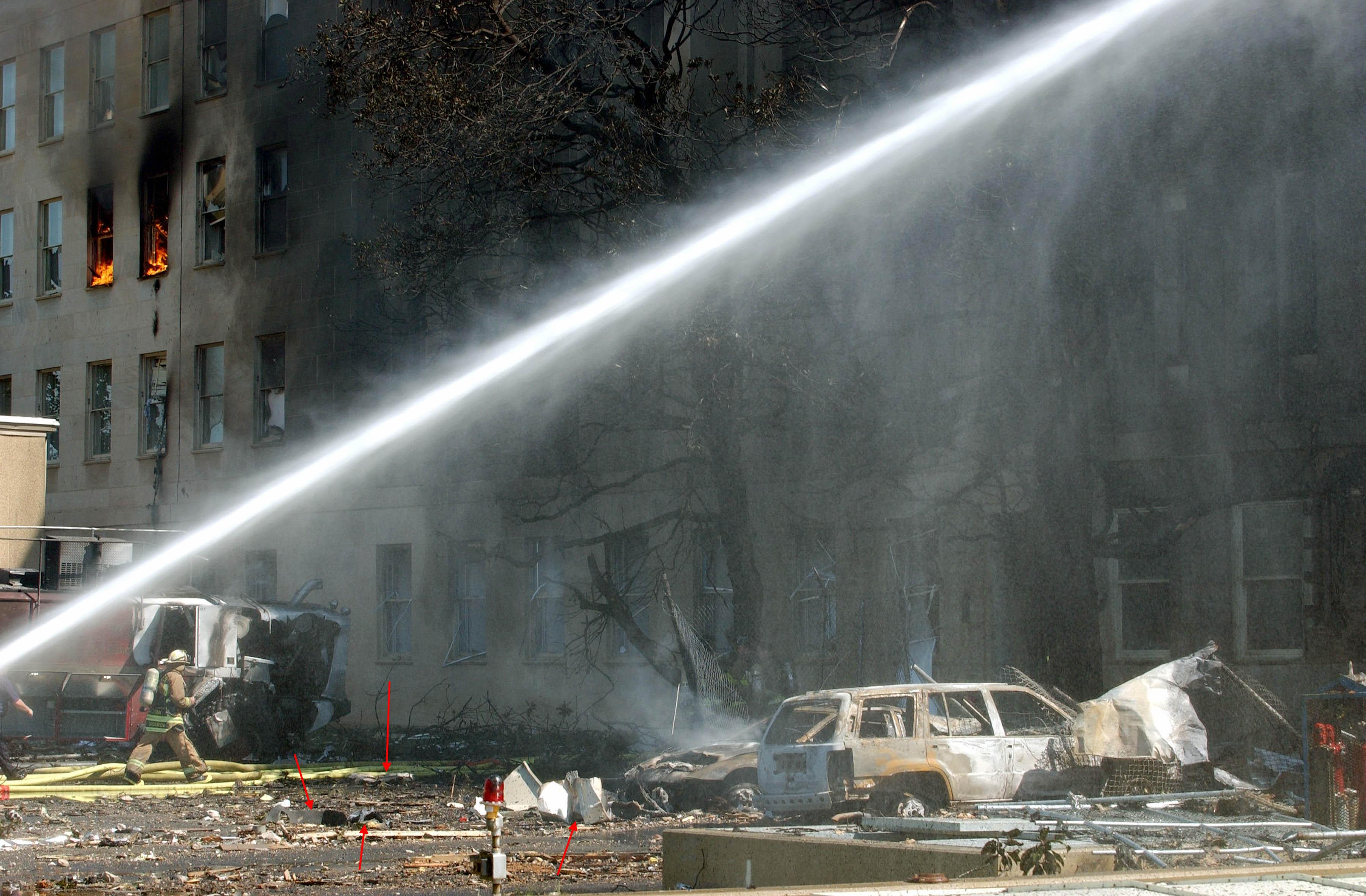 http://fredyz.free.fr/911/debris/morc7.jpg